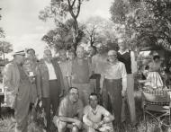 Dr Verwoerd en geselskap in Nasionale Krugerwildtuin k
