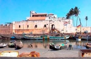 Fort El Mina aan die Goudkus, nou bekend as Ghana, aan die weskus van Afrika.