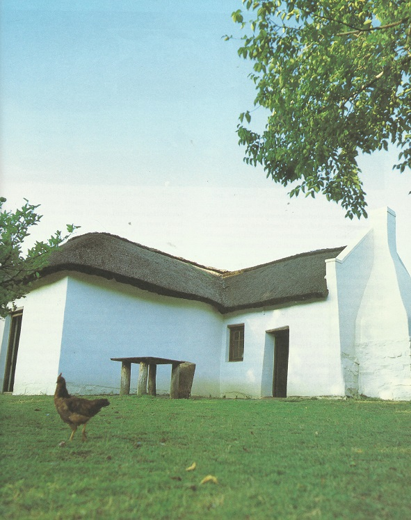 Die Pioniershuis, Silverton is op die ou Pretoria-Bronkhorstspruitpad, ongeveer 8 km oos van Kerkplein