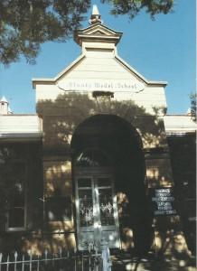 Die Staatsmodelschool is op die hoek van Van der Walt- en Skinnerstraat, Pretoria